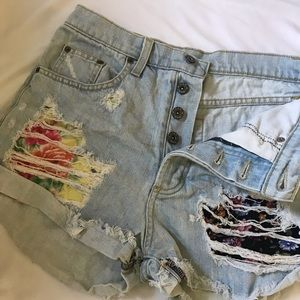CARMAR distressed shorts with fabric pockets • 27